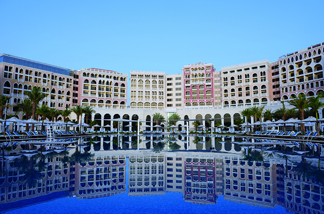 Discover the best of what Ritz-Carlton Abu Dhab