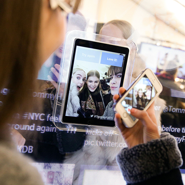 A closer look at Tommy Hilfiger's NYFW AW15 Twitter Mirror project