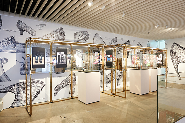 Roger Vivier-Icons Connected exhibit in Seoul