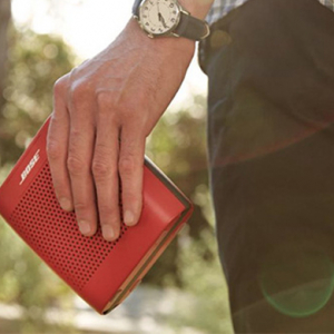 Bose debut the Soundlink Speaker in colour