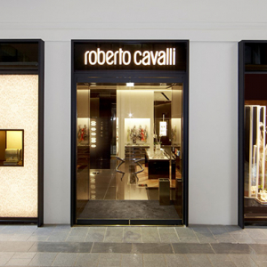 Roberto Cavalli to sell shares to Russian investors VTB Capital