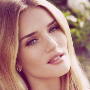 Rosie Huntington-Whiteley announces her first fragrance
