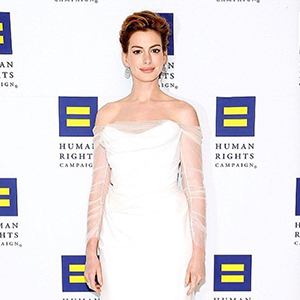 Anne Hathaway to star in new adaptation of 'The Witches'