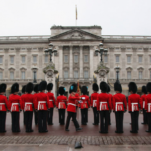 Buckingham Palace urged to stop spending