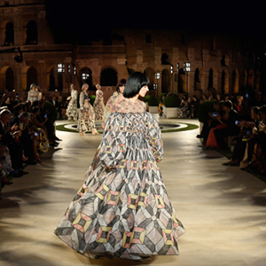Fendi paid homage to the eternal memory of Karl Lagerfeld with its Haute Couture collection