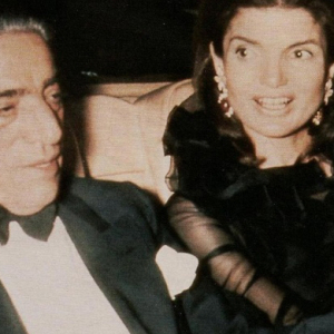 Jackie Kennedy Onassis necklace to be auctioned