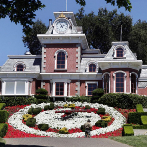 For sale: Michael Jackson's Neverland ranch (and Kanye wants it)