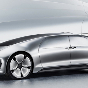 Mercedes present its new futuristic self-driving car