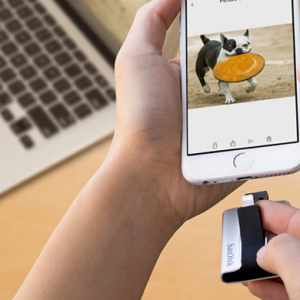 SanDisk debut a handy new flash drive for the iPhone and iPad