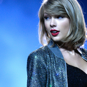 """We don't ask you for free iPhones"" – Taylor Swift holds out on Apple Music"