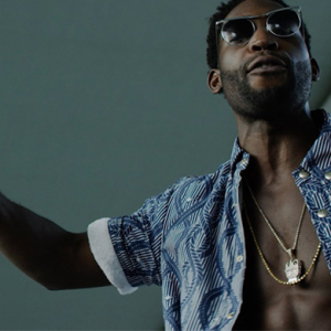 Take a look at Tinie Tempah's new Dubai-based music video for 'Flash'