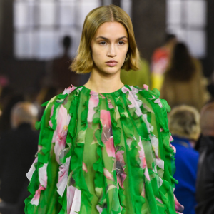 Pierpaolo Piccioli returns to house codes for Valentino's Spring/Summer '21 collection
