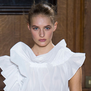 Paris Fashion Week: Viktor & Rolf Spring/Summer 15