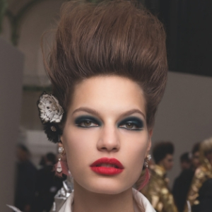 Exclusive: Backstage beauty from Chanel Haute Couture S/S'19 with heaps of sass