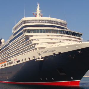 Double royal visit: Cruise ships Queen Mary 2 and Queen Elizabeth in Dubai