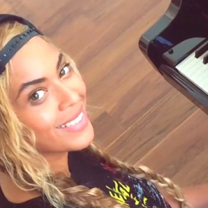 Watch now: Beyoncé sings new song for Jay Z's video camera