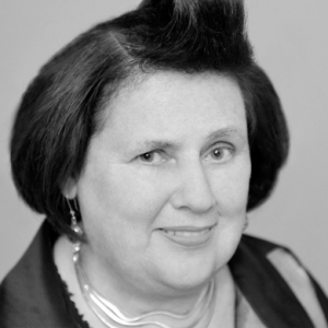 Suzy Menkes leaves the International New York Times for Vogue