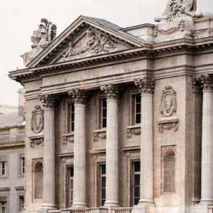 Karl Lagerfeld to develop designs for Hôtel de Crillon