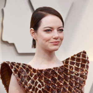 Emma Stone's Louis Vuitton Oscars gown took a whopping 712 hours to make