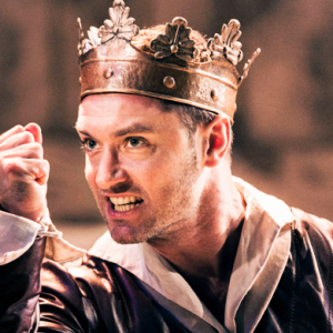 Jude Law appears as King Henry V to rave reviews
