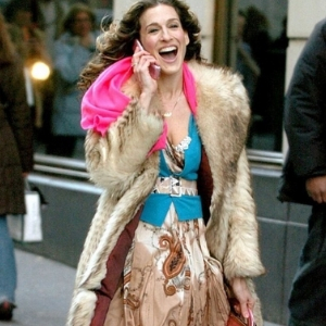 Um, so Carrie Bradshaw might be coming back into our lives
