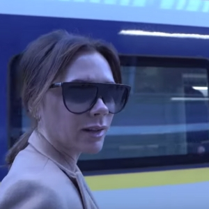 It turns out Victoria Beckham is quite the comic when she's on the road