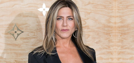 Welcome to the 'gram, Jen! Jennifer Aniston joins the social media platform with a little help from some 'Friends'