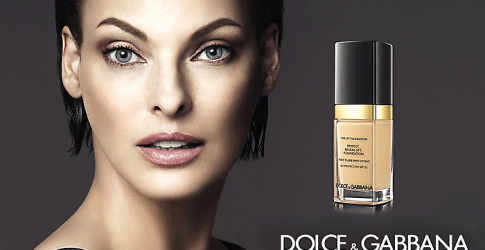 Linda Evangelista stars in Dolce & Gabbana's new Lift Foundation ad