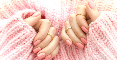 How to nail the removal of your gel manicure at home
