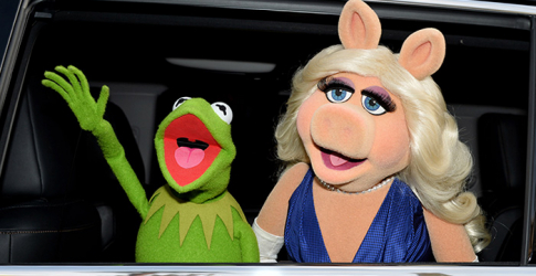Holding back the tears: Kermit and Miss Piggy announce shock split