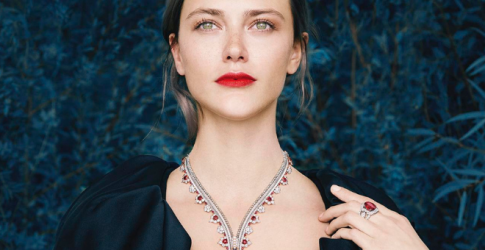 Van Cleef & Arpels unveils a timeless display of its Signature High Jewellery creations
