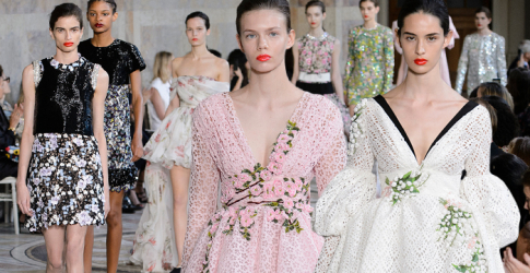 Paris Haute Couture Fashion Week: Giambattista Valli Fall/Winter '17