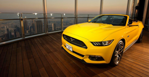Ford assemble a 2015 Mustang GT on the Burj Khalifa's 112th floor