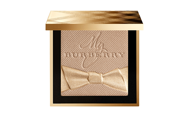 Fragranced luminising powder