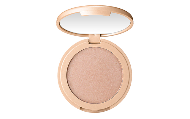 Amazonian Clay 12-hour highlighter in Exposed, Dhs145