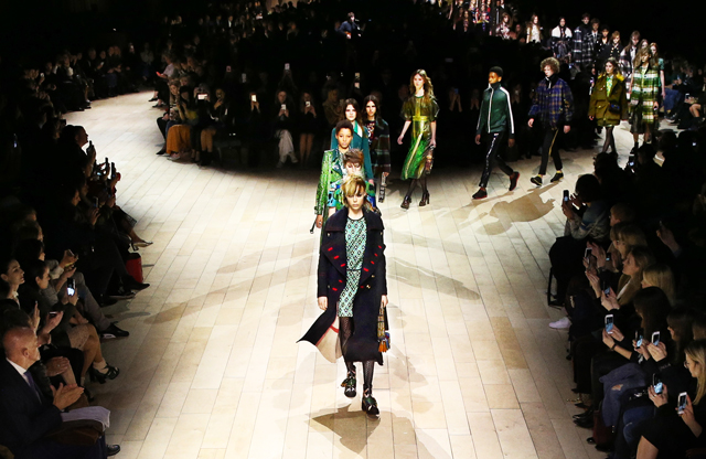 London Fashion Week: Burberry Fall/Winter '16