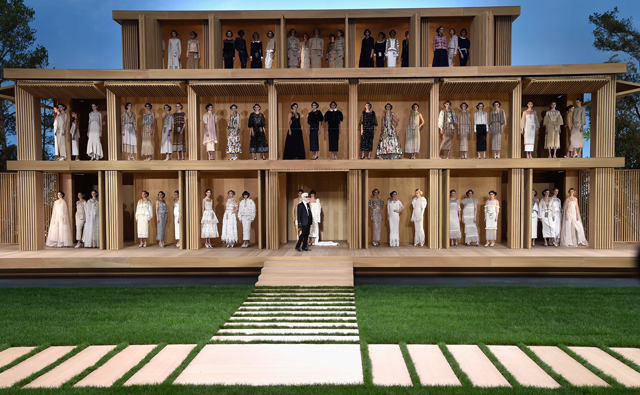 Paris Haute Couture Fashion Week: Chanel Spring/Summer '16
