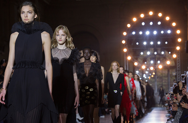 Paris Fashion Week: Givenchy Spring/Summer '18