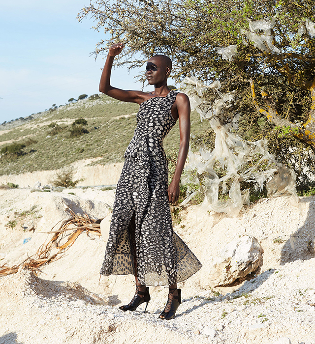Roland Mouret introduces his Pre-Fall '17 collection