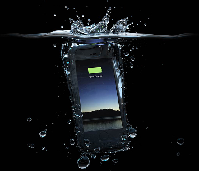 The first waterproof battery case for the iPhone 6 – Mophie Juice H2PRO