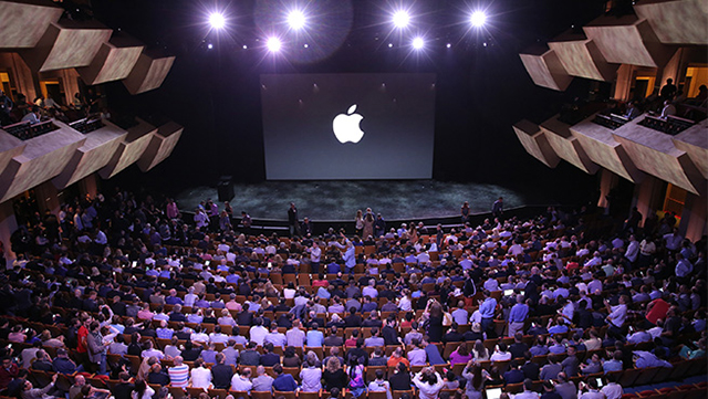 The iPhone 6 officially debuts at the #AppleLive event