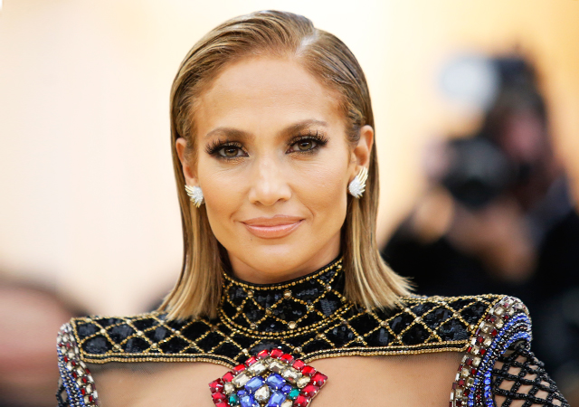 Jennifer Lopez will receive the Michael Jackson Video Vanguard Award at the VMAs