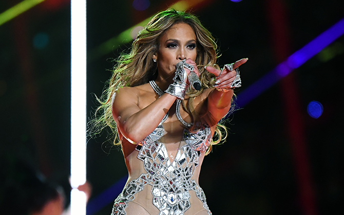 Recreate Jennifer Lopez's Super Bowl beauty look