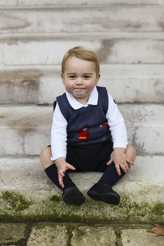 Kensington Palace release Prince George's official Christmas photos