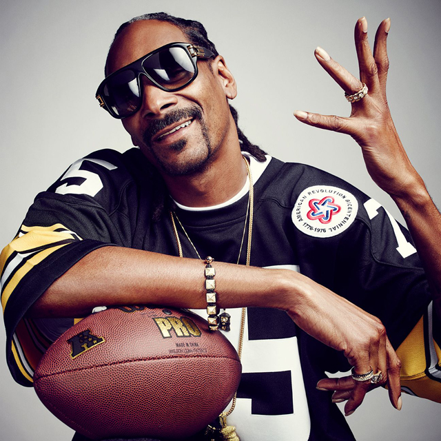 Snoop Dogg is now the director of football recruitment for