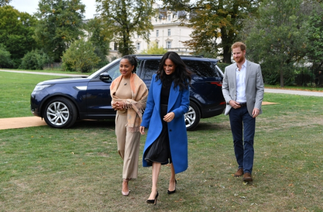 Meghan Markle's mother, Doria Ragland has touched down in London ahead of the birth