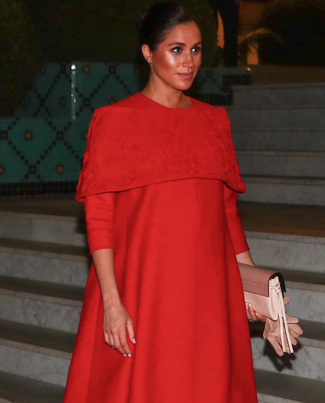 339f478020a OMG Meghan Markle looks incredible in this red hot Valentino dress ...