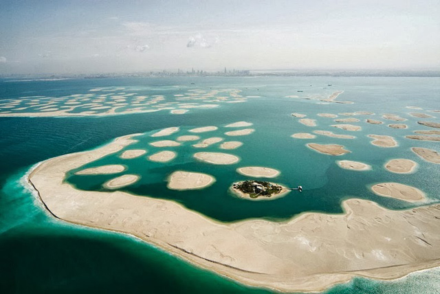 Dubai to launch water taxis to The World Islands