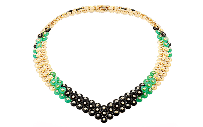 Van Cleef & Arpels Bouton d'or necklace, Dhs405,000