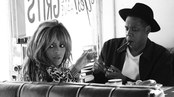 Beyoncé and Jay Z's 'On The Run' tour book debuts